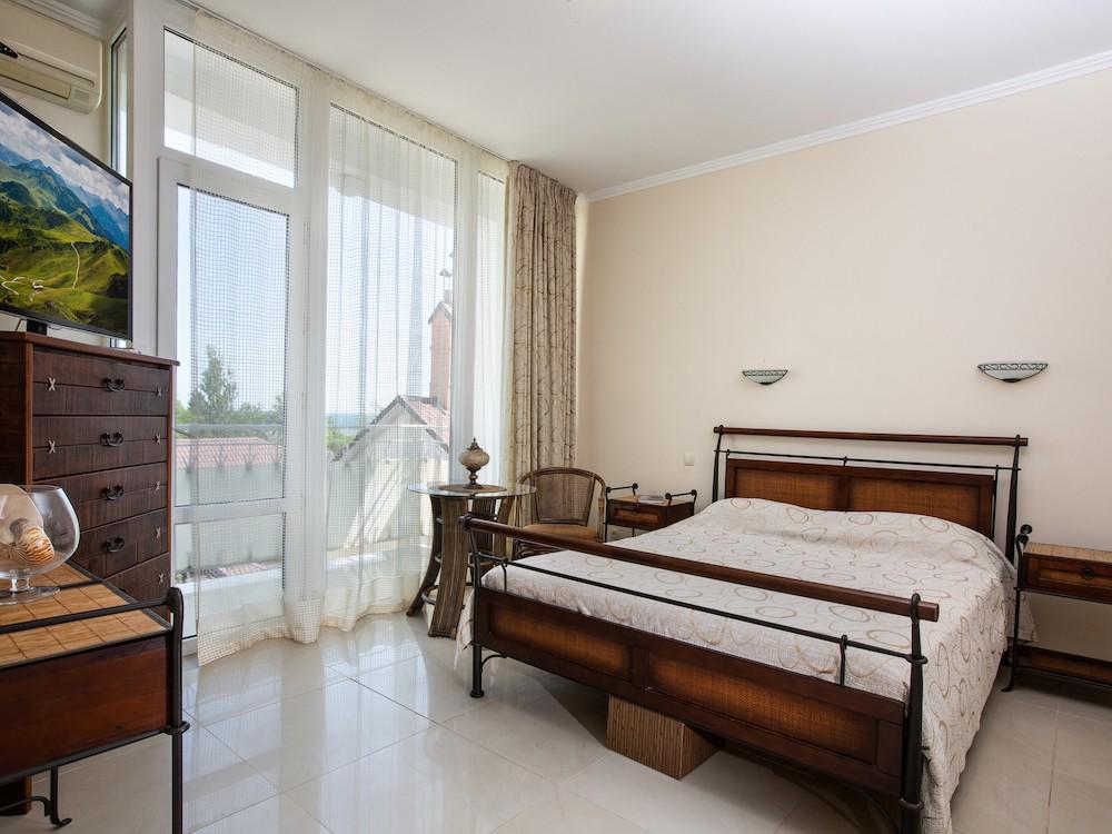Люкс 2-кімнатний з терасою